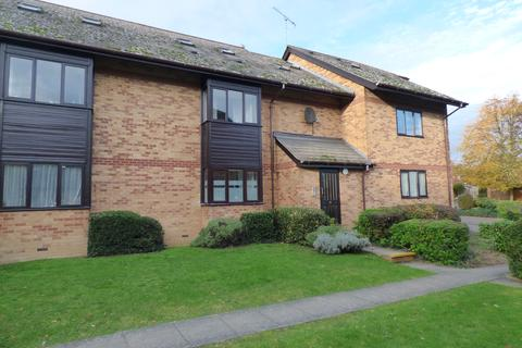 2 bedroom flat to rent - Cavendish Gardens, St Margarets Road, Chelmsford CM2