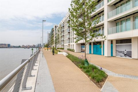 3 bedroom apartment for sale - Marco Polo, Mariners Quarter, Royal Wharf, London, E16