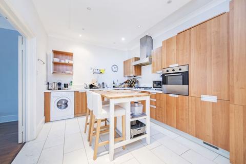 3 bedroom apartment to rent - Weymouth Mews, Marylebone W1G