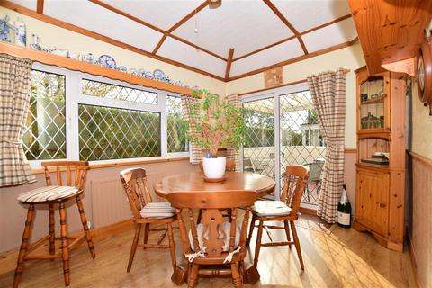 3 bedroom semi-detached bungalow for sale - Hillside, Erith, Kent
