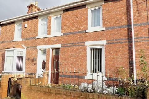 3 bedroom terraced house for sale - Wenlock Road, Simonside, South Shields, Tyne and Wear, NE34 9BA