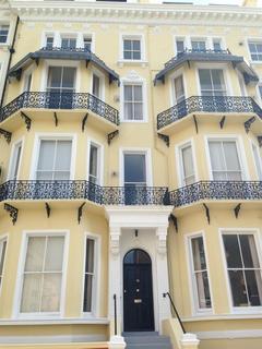 2 bedroom flat to rent - Warrior Square, St Leonards On Sea, East Sussex, TN37 6BP