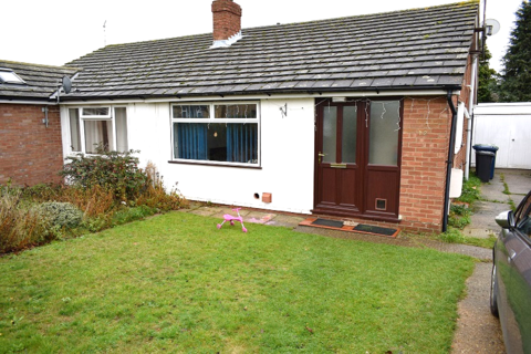 2 bedroom bungalow to rent - Tavistock Road, Cambridge