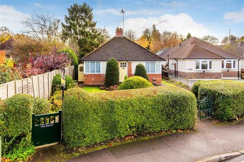 3 bedroom detached bungalow for sale - Rosemary Lane, Horley, Surrey, RH6