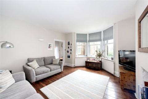3 bedroom flat to rent - Trinity Road, London, SW17