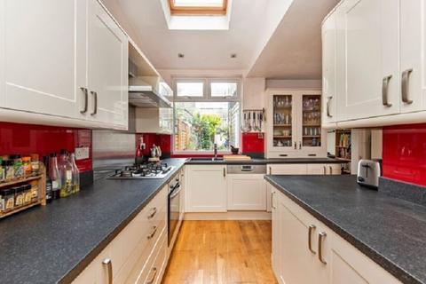 3 bedroom terraced house for sale - Ashville Road, London, Greater London. E11 4DS