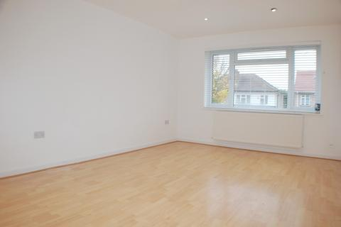 2 bedroom apartment for sale - Grosvenor Avenue, Hayes, Middlesex, UB4