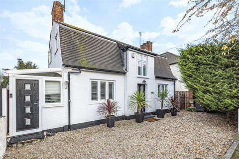 3 bedroom bungalow for sale - Northolt Avenue, Ruislip, Middlesex, HA4