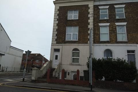 1 bedroom flat to rent - Dover Road, Folkestone