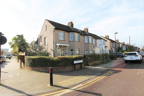 3 bedroom end of terrace house to rent - Graeme Road, ENFIELD, Middlesex, EN1