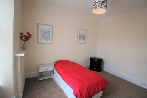 2 bedroom flat to rent - Holburn Street, Aberdeen, AB10 6BY