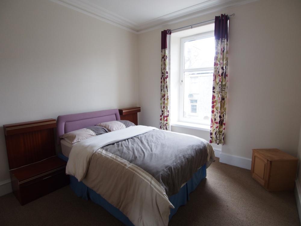 010 Bedroom