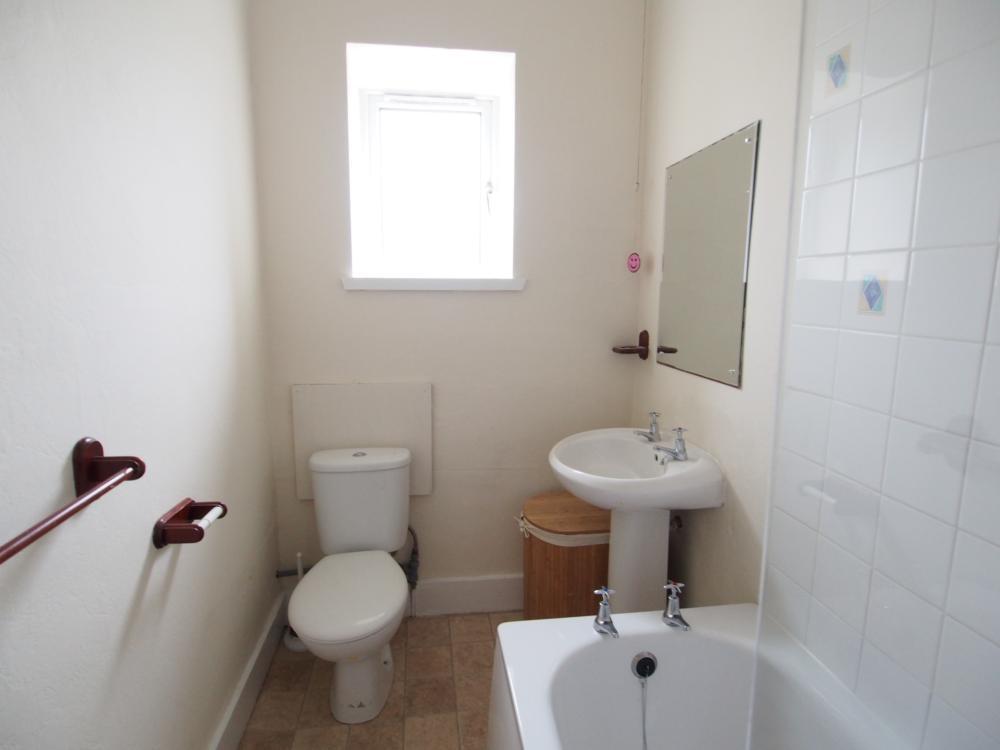 012 Bathroom