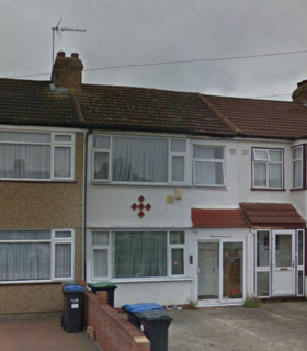 3 bedroom detached house to rent - Albany Park Avenue, Enfield