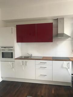 3 bedroom flat to rent - Chiswick High Road