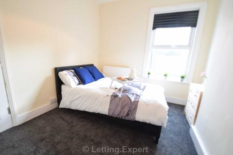 1 bedroom house share to rent - Brand New House Share! St. Anns Road, Southend On Sea