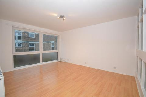 3 bedroom apartment to rent - Bevill Allen Close, Tooting