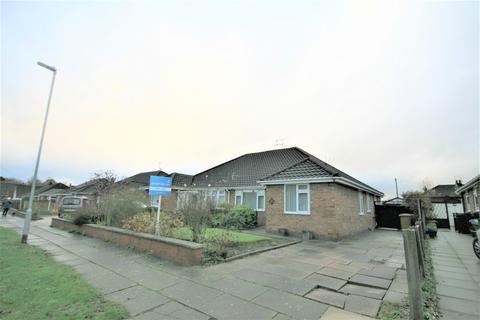 3 bedroom semi-detached bungalow to rent - Laureston Avenue, Crewe