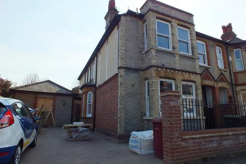 1 bedroom house share to rent - Brisbane Road, Reading