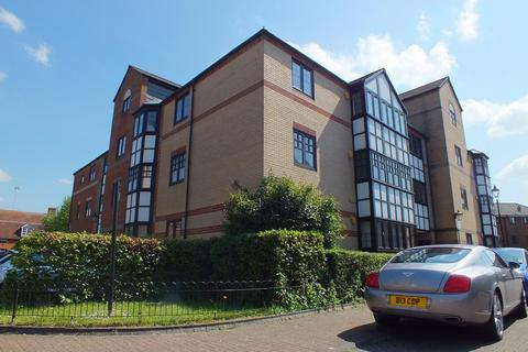 2 bedroom apartment to rent - Waterside Gardens, Reading