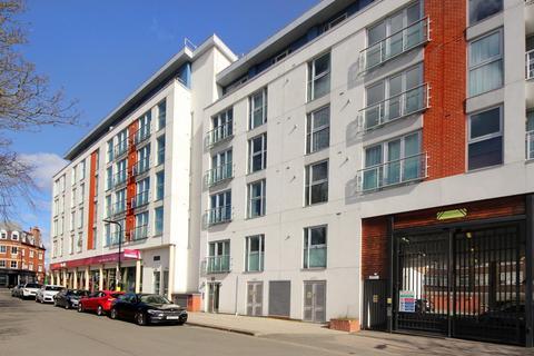 2 bedroom flat to rent - Granville Gardens, W5