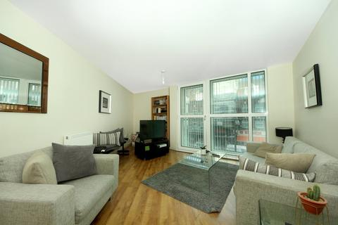 2 bedroom flat to rent - Granville Gardens, W5