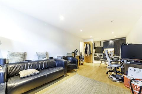 2 bedroom apartment for sale - Flagstaff House, St George Wharf, SW8