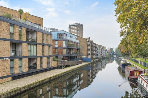 3 bedroom apartment for sale - New Gun Wharf, Bow