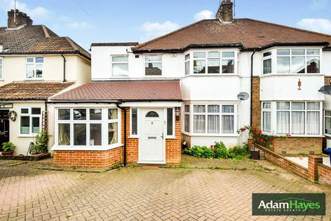 3 bedroom semi-detached house for sale - Wentworth Avenue, Finchley, N3