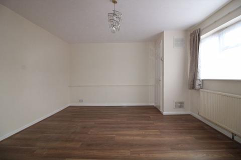2 bedroom flat to rent - TWO BEDROOM FLAT on Marsh Road, Leagrave