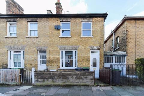 2 bedroom terraced house for sale - Finsbury Road, Wood Green, N22