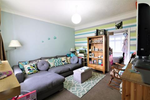 1 bedroom apartment to rent - One Bed Flat with Garden