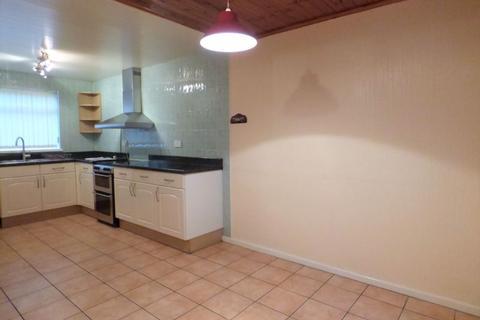 4 bedroom semi-detached house to rent - Austwick Road, Lancaster