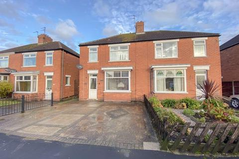 3 bedroom semi-detached house for sale - Burn Road, Scunthorpe