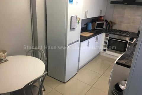 3 bedroom house to rent - Langton Street, Salford, M6 5PU