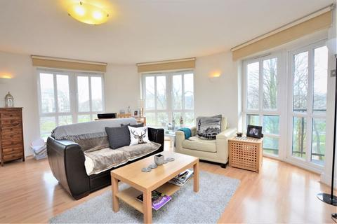 2 bedroom apartment to rent - Queens Court, Limehouse, E14