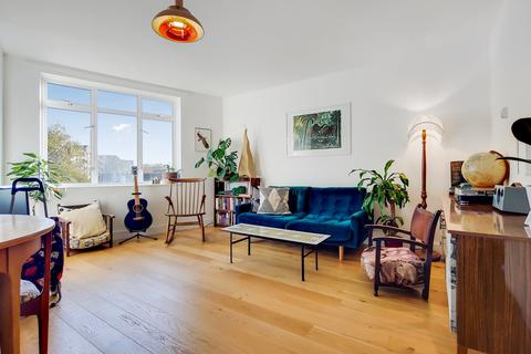 2 bedroom flat for sale - Staunton Street, London, SE8