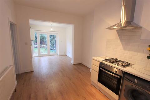 2 bedroom ground floor maisonette to rent - George Road, Chingford