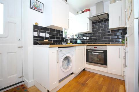 3 bedroom terraced house for sale - Lordship Lane, London