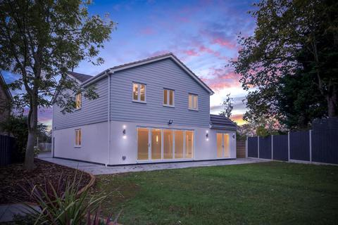 5 bedroom detached house for sale - The Sheilings, Emerson Park, Hornchurch