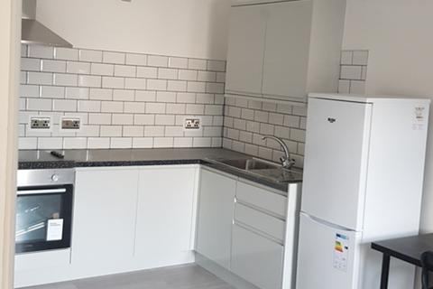1 bedroom apartment to rent - Flat 7, Albany Road