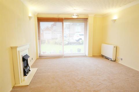 2 bedroom flat to rent - Kingsway, Hove, BN3 4HD