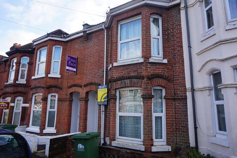 3 bedroom detached house to rent - Livingstone Road,