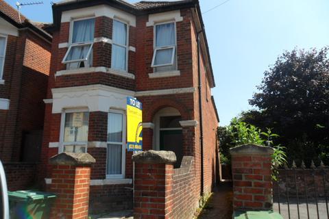 5 bedroom detached house to rent - Cedar Road,
