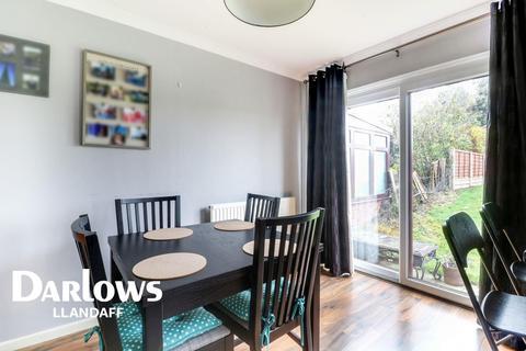 3 bedroom semi-detached house for sale - Peckham Close, Danescourt