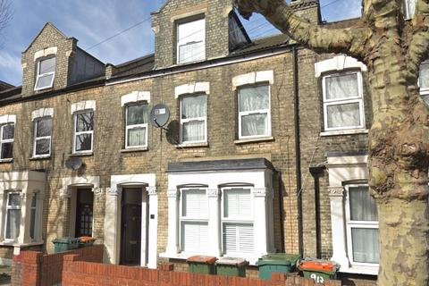 3 bedroom flat for sale - Neville Road, Forest Gate, E7
