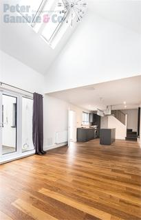 2 bedroom detached house for sale - Fraser Road, Perivale, Greenford, Greater London