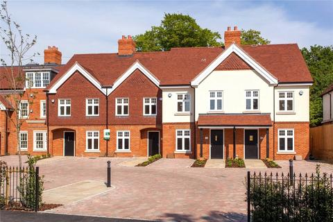 4 bedroom terraced house to rent - High Street, Wargrave, Berkshire, RG10