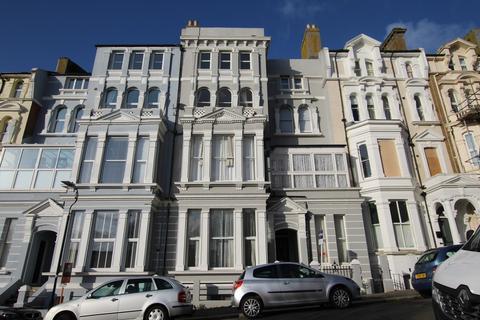 2 bedroom ground floor flat to rent - Warrior Gardens, St. Leonards-on-Sea