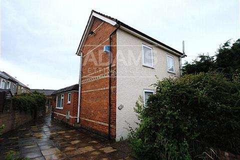 3 bedroom detached house to rent - Ridley Road, Winton, Bournemouth